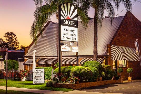 Country Pathfinder Motor Inn