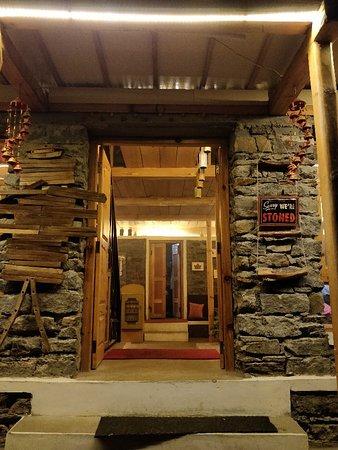Stonedage Cafe & Inn: Stoned Age Cafe & Inn Tosh