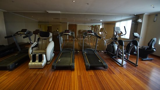 Pearlwort Hotel and Suites: Gym