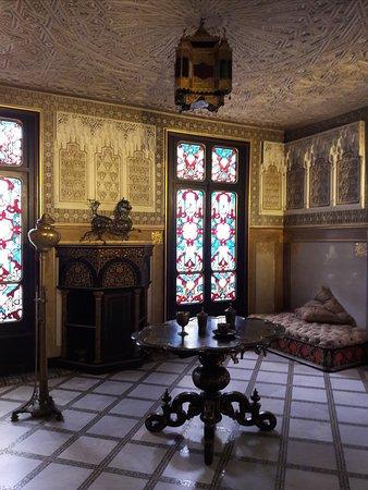 Chateau de Monte Cristo - Alexandre Dumas' House: Мавританская гостиная