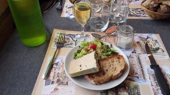 Lacombe Michel: Fois gras entier de canard et son verre de Bergerac moelleux.
