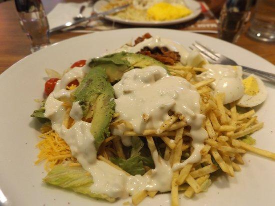 Vandalia, IL: Good Cobb Salad $5.99