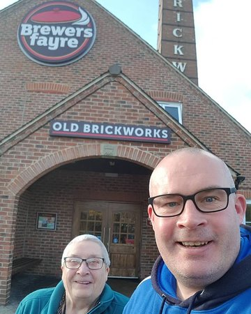Brewers Fayre Old Brickworks: Brenda & Noel Bullock