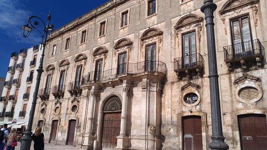 Mola di Bari, Italia: Palazzo Roberti