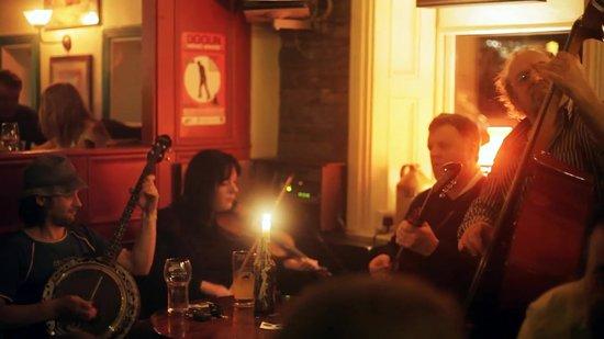 Traditional Irish music sessions in Doolin