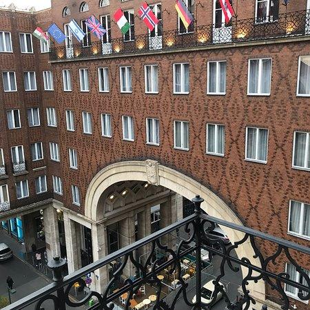 Regency Suites Hotel Budapest Photo