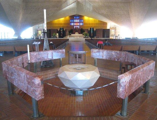 Geradlinigkeit in san francisco Skolas Racheaktion
