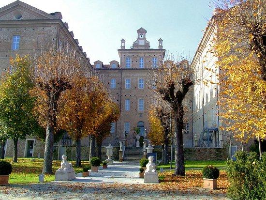 visita e soggiorno al Castello di Montaldo - Recensioni su ...