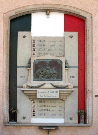 Monumento Ai Caduti Di Due Cossani
