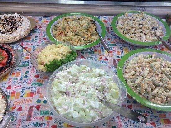 Greensburg, Канзас: Homemade Salads