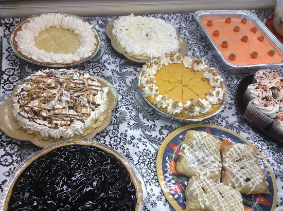 Greensburg, Канзас: Homemade Pies, Turnovers, Cheesecakes and many more goodies