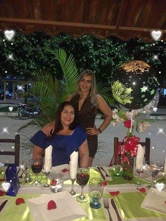 """Nómada Café y Restaurante: SIMPLEMENTE SOMOS """"cocina ,arte y leyenda"""" AMIGOS,CELEBRACIÓN,MOMENTOS,HISTORIAS,COMPARTIR ...AQUI TE CONECTAS, AQUI NOS VEMOS¡¡¡"""