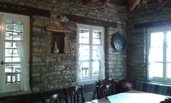 Koukouli, Grèce : Εστιατόριο το Τρίτοξο .