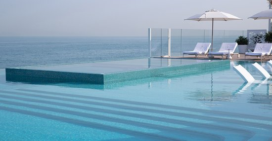 Burj Al Arab Jumeirah: Burj Al Arab Terrace - Infinity Pool