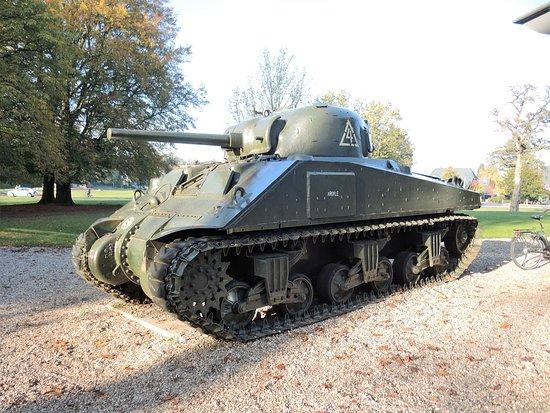 Airborne Museum Hartenstein: Sherman tank