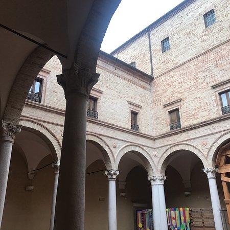 Monte San Giusto Photo