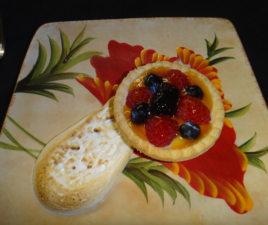 Chateau Grille: Homemade Fruit Tart, Vanilla Pastry Cream, Scorched Marshmallow