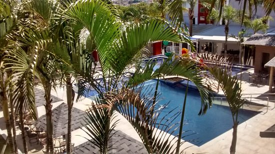 Primar Plaza Hotel: Vista da piscina e bar!