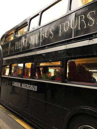 The Ghost Bus Tour (recorrido en autobús fantasma) Edimburgo: Necrobus - Ghost Bus Tours Edinburgh