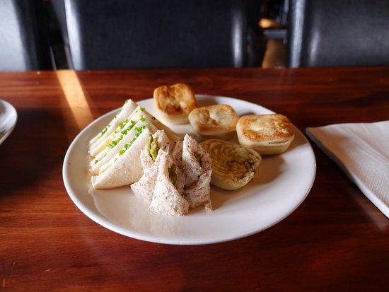 Eastbourne, New Zealand: Light snacks at Pencarrow Lodge.