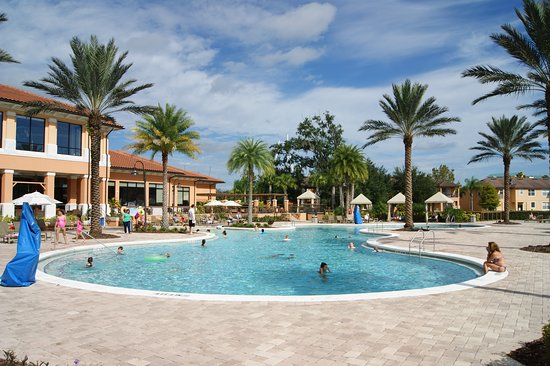 Regal Oaks - The Official CLC World Resort: Pool area