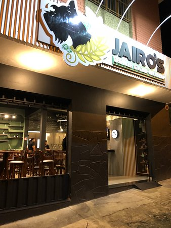 Jairo's Growler Station & Brewshop