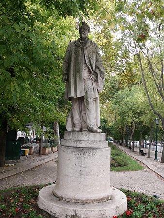 Estatua a Oliveira Martins
