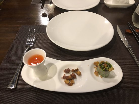 Duong's Restaurant Saigon & Cooking Class : Amuse Bouche - a prelude to a terrific meal