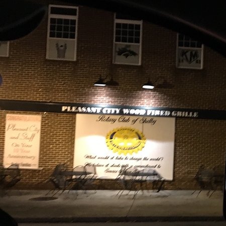 ‪Pleasant City Wood Fired Grille‬ صورة فوتوغرافية