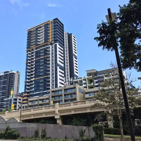 Ideal location reasonably priced for Brisbane culture,dining & entertainment