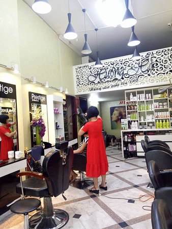 Huong Ha Hair Salon