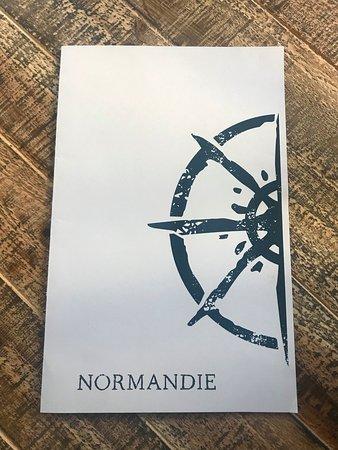 Normandie: Happy hour 4-6 & 10-12
