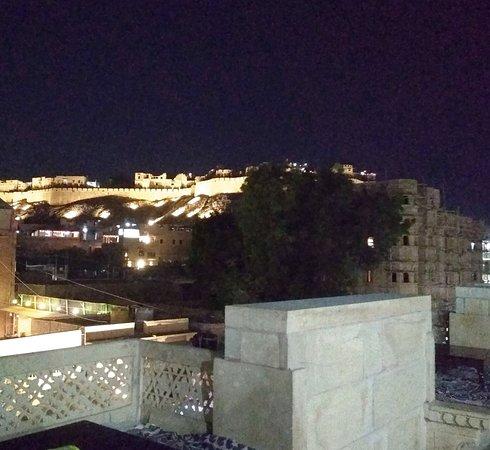 Hotel Gorakh Haveli: Roof top View@hotel