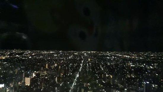 不輸給函館的夜景,若有攜帶單眼相機的旅客可以多加利用。