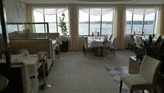Tallink and Silja Line - Cruises : Happy Lobster