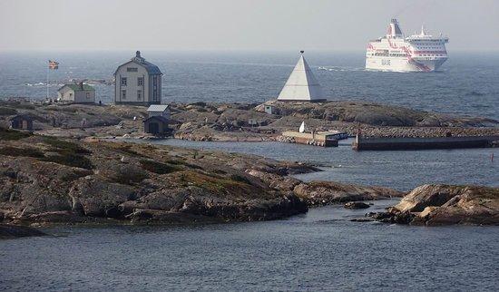 Tallink and Silja Line - Cruises : Galaxy and Baltic Princess arriving at Mariehamn