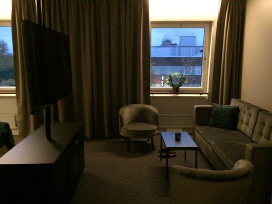 Hotel Valhall: Tv som kan snurras runt om man vill ligga och se