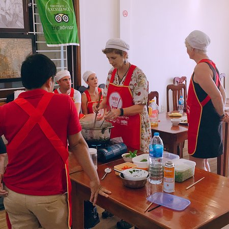 Red Dragon cooking school