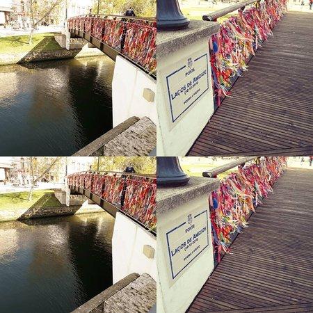 Aveiro District, Portugalsko: (PT) Ponte de Amizade;  (ING) Friendship Bridge;  (ES) Puente de Amistad;  (FR) Pont de l'amitié;  (RU) Мост Дружбы.