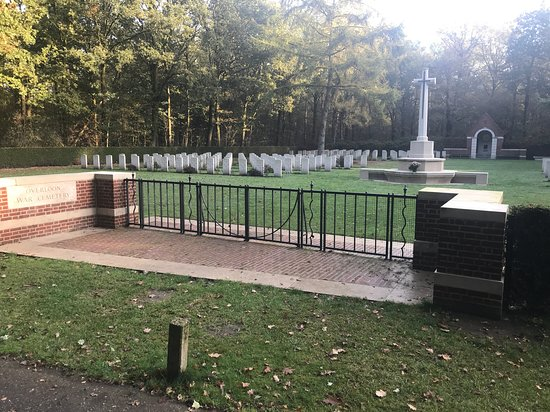Overloon War Cemetery