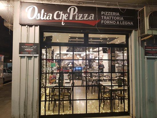 Trattoria Ostia che pizza Dal 1994: Esterni