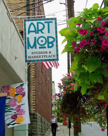 ‪Art MoB Studios & Marketplace‬
