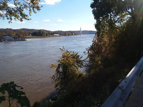 Pomeroy, OH: View from Parking lot of Ohio river