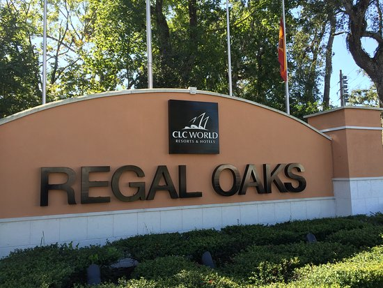 Regal Oaks - The Official CLC World Resort: Front of the resort