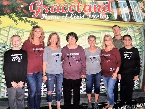 The Guest House at Graceland : 4 generations stay at The Guest House and visit Graceland for my Mom's 76th birthday!!