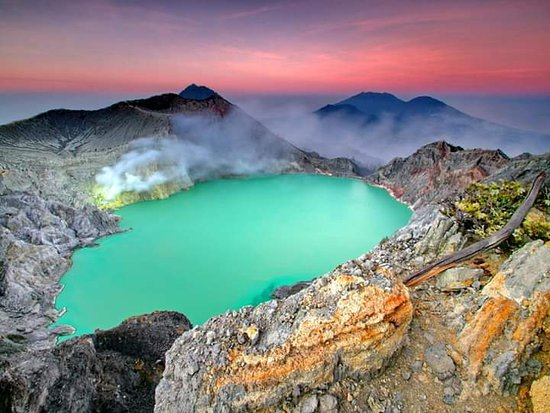 كانجو, إندونيسيا: Mount Ijen is an active volcano located at Banyuwangi Regency (East Of Java )