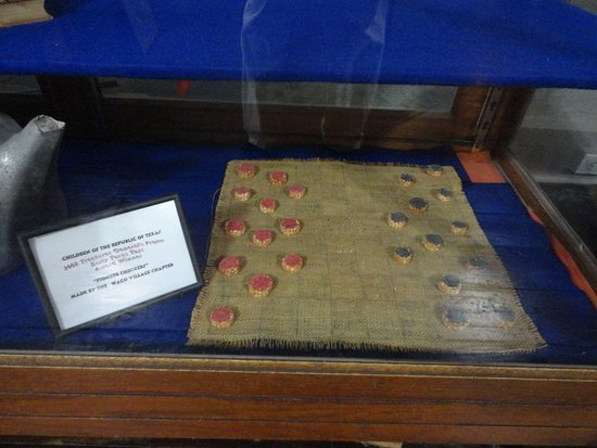 Salado, TX: An old checkers set