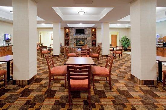 Holiday Inn Express Hotel & Suites Loveland: Restaurant