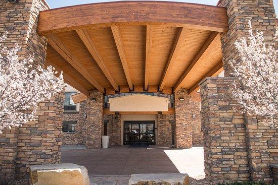 Holiday Inn Express Hotel & Suites Loveland: Exterior