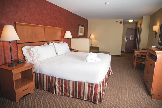 Holiday Inn Express Hotel & Suites Loveland: Guest room